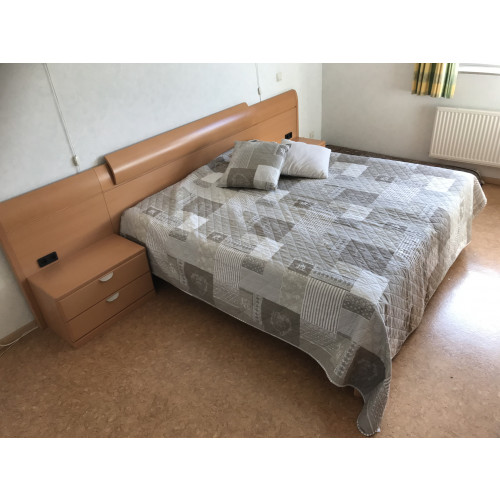 2 persoons bed te koop afbeelding