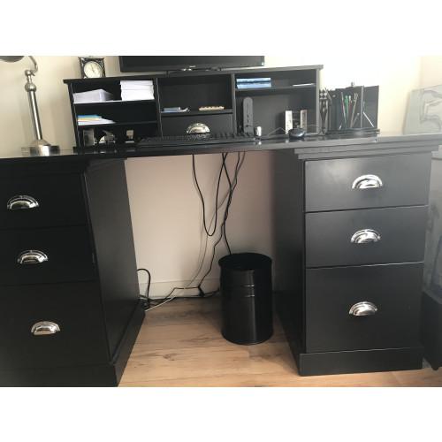 Zwart (computer)bureau  afbeelding