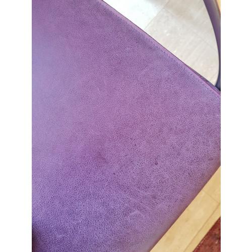 Twee paarse fauteuils afbeelding 3