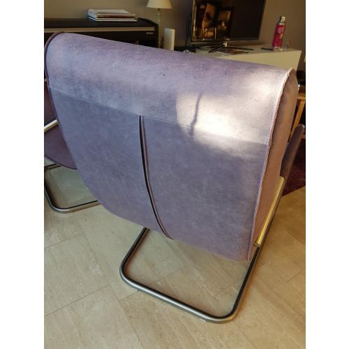Twee paarse fauteuils afbeelding 2