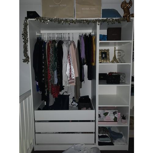Wit Ikea PaxKast (Kledingkast) afbeelding