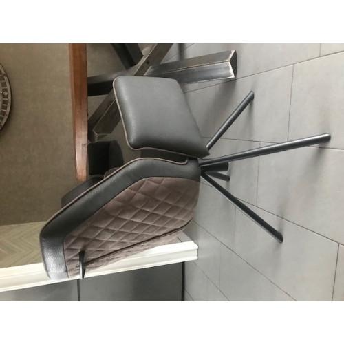 Eettafel + stoelen afbeelding 3