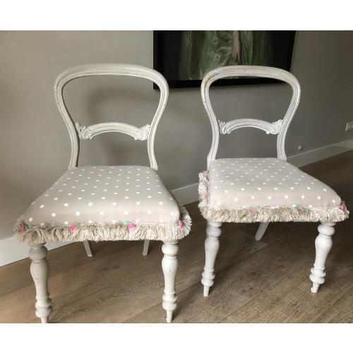 Unieke antieke stoeltjes 2st afbeelding