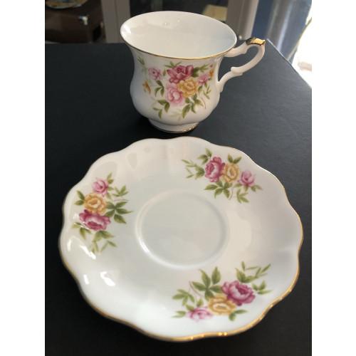 Kop en schotel van Royal Ascot fine bone china england afbeelding