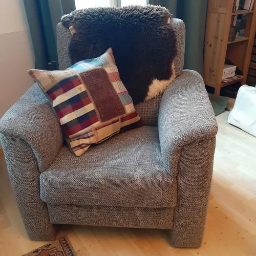 Fauteuil - comfortabele grijze stoel afbeelding