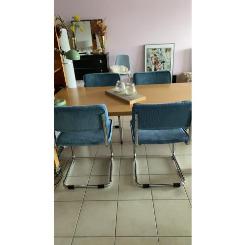 Eettafel met vier stoelen afbeelding 2