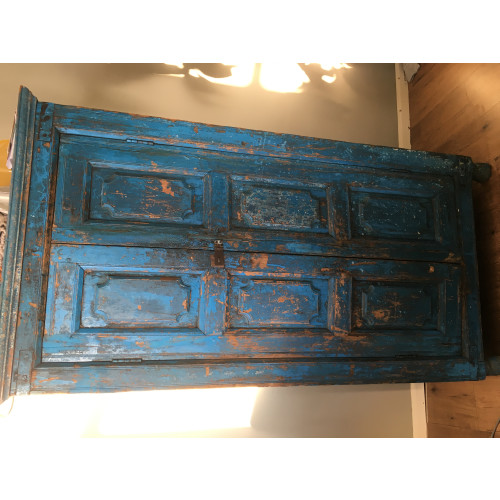 Unieke felblauwe teakhouten kast afbeelding 2