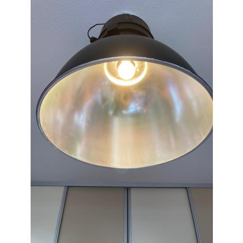 industrieel zwarte hang lamp afbeelding