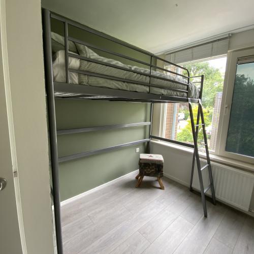 HOOGSLAPER IKEA SVARTA INCL. MATRAS, KUSSEN, DEKBED EN OVERTREK (NOT USED) afbeelding