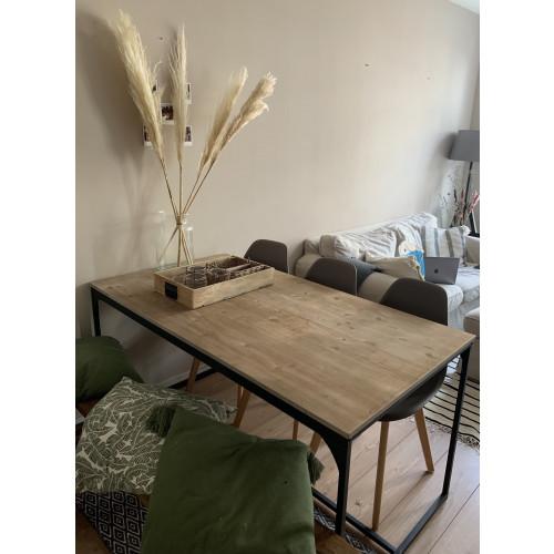 Industriële houten tafel afbeelding