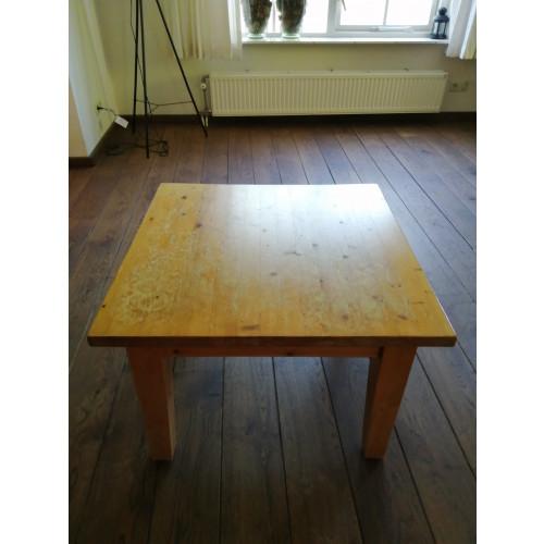 Diverse grenen meubels afbeelding