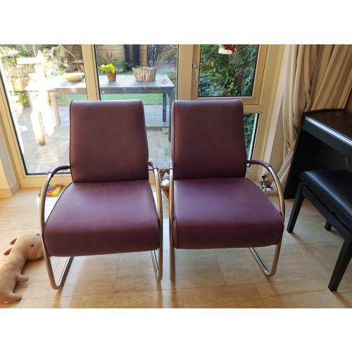 Twee paarse fauteuils afbeelding