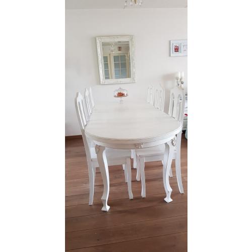 Mooie witte tafel met 6 stoelen afbeelding
