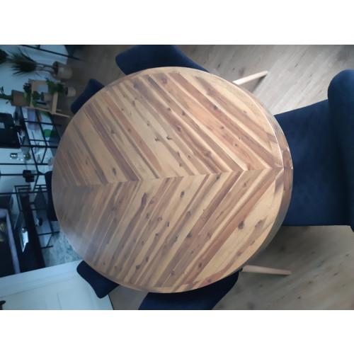 Ovale houten eettafel afbeelding
