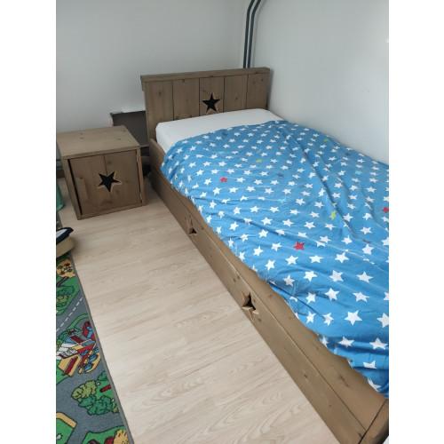 Steigerhout bed afbeelding