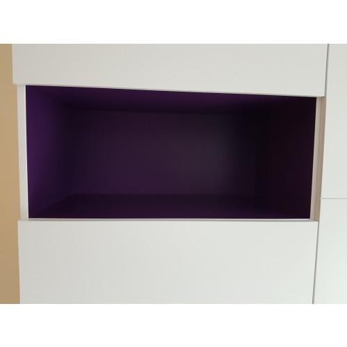 Witte wandkast met paarse accenten afbeelding 3