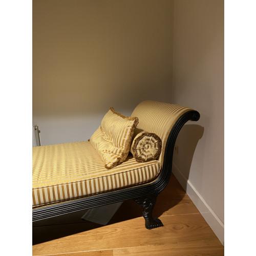 Egyptische Sofa nieuw bekleed afbeelding