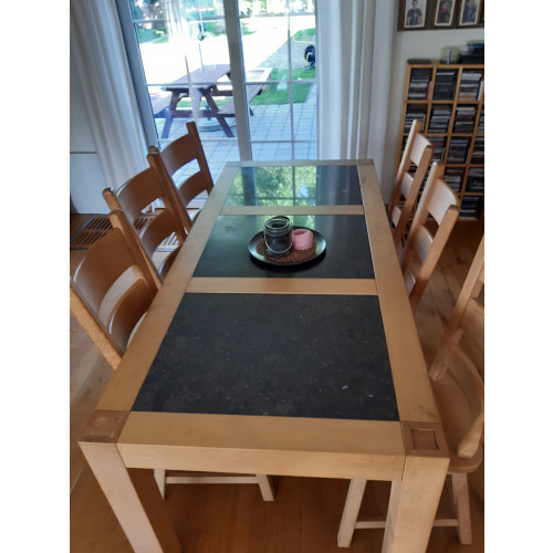 Eetkamer tafel afbeelding
