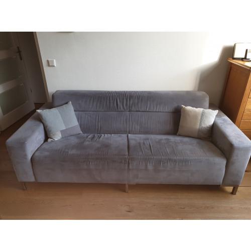 bankstel fauteuil en poef uit dezelfde serie afbeelding